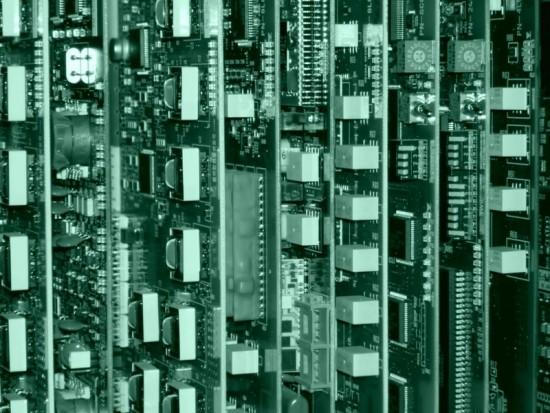 Niet goed beschermde strategische informatie maakt 'de' computer tot de achilleshiel van bedrijven en organisaties.