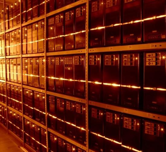 Om alle data op te slaan, zijn steeds meer geavanceerde en zwaar beveiligde datacenters nodig. Maar veel bedrijven en andere organisaties kunnen nog niet zoveel met Big Data.