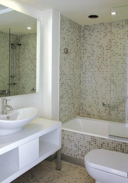 Zo'n badkamer met ligbad is voor mij en veel andere 'beperkten' absoluut geen optie...