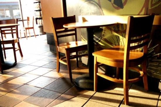 Openbare ruimtes als deze ontbijtzaal moeten natuurlijk probleemloos (lees: trapjes- en opstapjesvrij) te bereiken zijn.