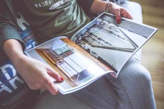 Mooie special interestbladen zoals dit woonblad lijken bij de papieren media nog de meeste overlevingskansen te hebben.