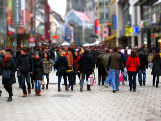De winkelstraat als luilekkerland voor retailers: over een tijdje kunnen ze deze mensen een leuk aanbod doen terwijl ze in de buurt van hun winkel lopen!