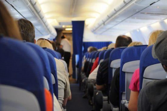 Vakantie: voor je goed en wel in het vliegtuig zit, ben je bekaf....
