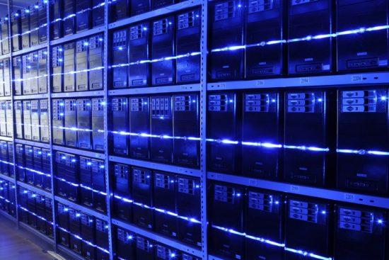 Renske Cramer Creatief cybercrime groeit en bloeit foto van datacenter