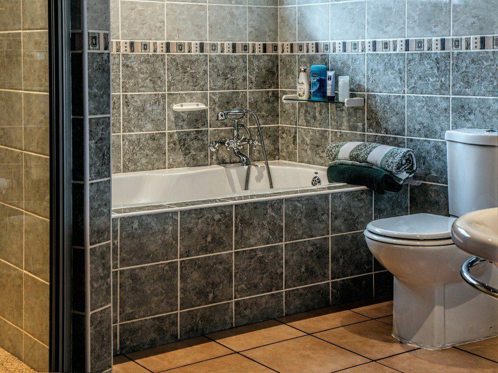 Renske Cramer Creatief artikel reizen met beperkingen foto van een badkamer in een hotel