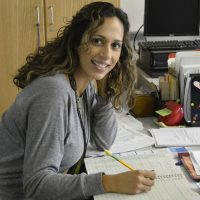 Renske Cramer Creatief artikel over getting things done gtd. Foto van jonge vrouw die dankzij GTD meer werk verzet in minder tijd