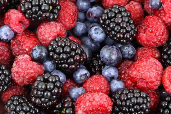 Renske Cramer Creatief: een foto van heerlijk vers fruit bij een artikel over de voedselzandloper en goede voeding