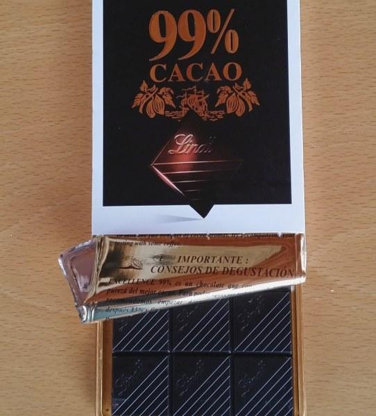 Renske Cramer Creatief een foto van 99 procents chocolade die mag bij bij afslanken