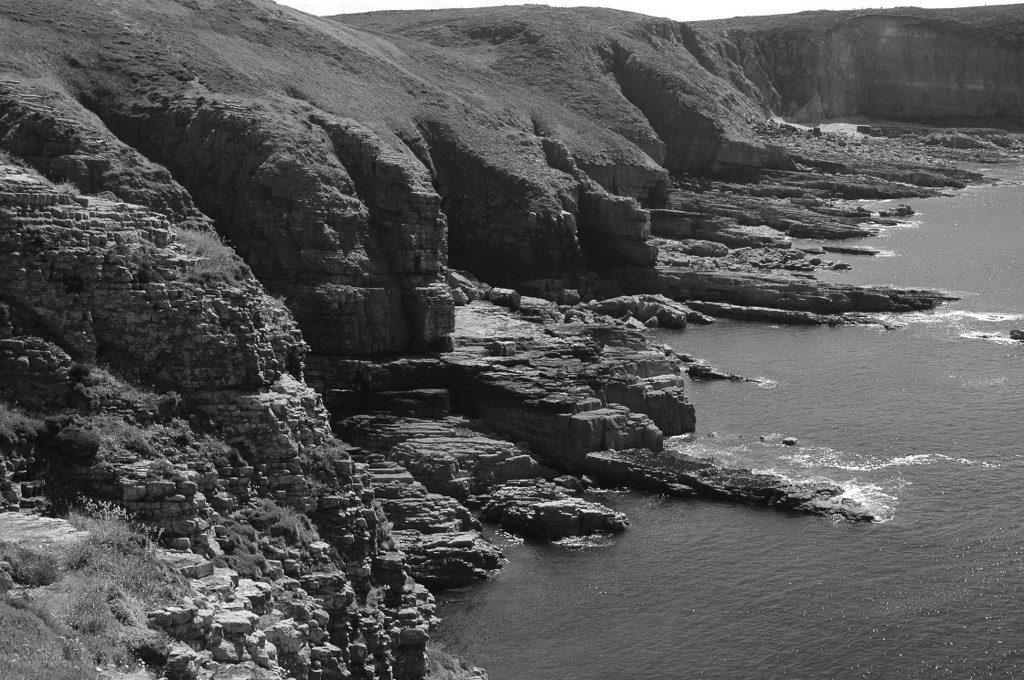 Renske Cramer Creatief foto van de rotsige kust van Bretagne (Frankrijk)